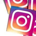 círculo verde de Instagram Stories hay 5 personas en una habitación plantillas gifs para instagram stories